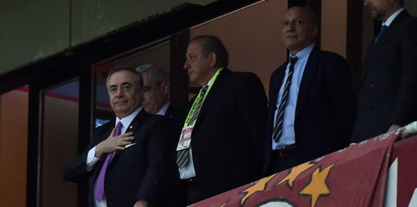 TT Stadı'nda Başkan Cengiz ve yönetime destek