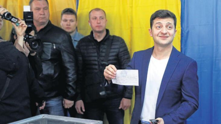 Ukrayna'nın başına bir komedyen geçti!