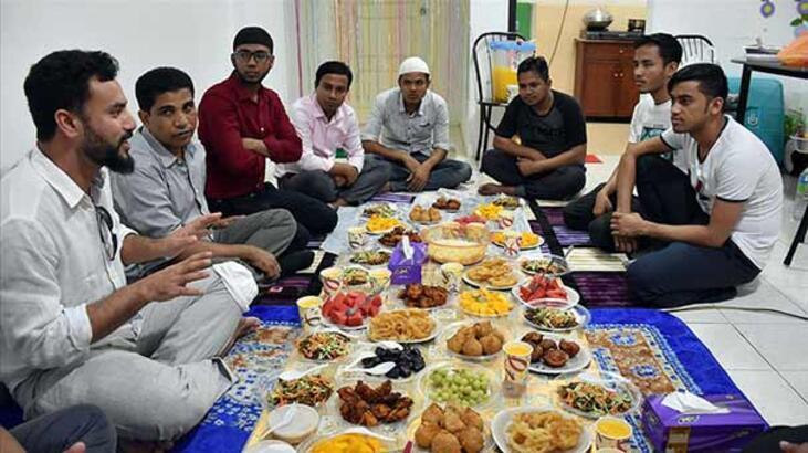 Malezya'daki Arakanlılar ramazanı vatan hasretiyle geçiriyor