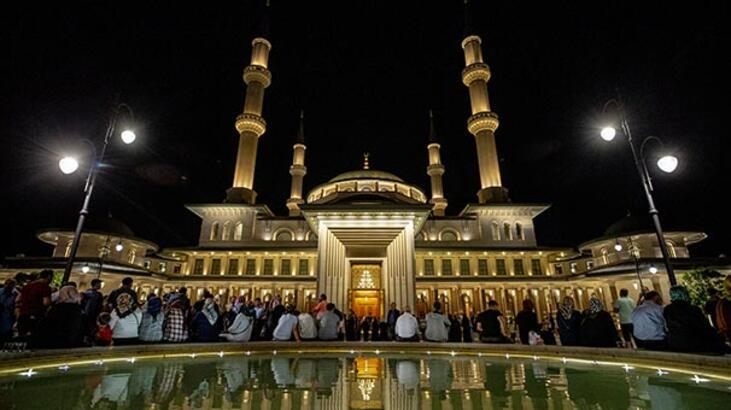 Beştepe Millet Camisi'nde Kadir Gecesi'ne özel program yapıldı
