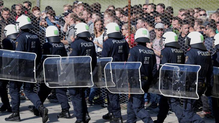 Avusturya'da mülteciler açlık grevine başladı