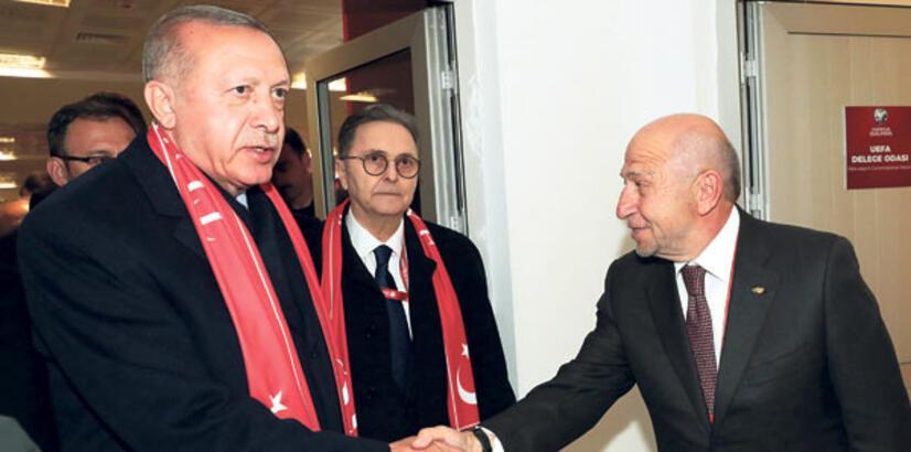 """""""Türk halkı yanlarında"""""""