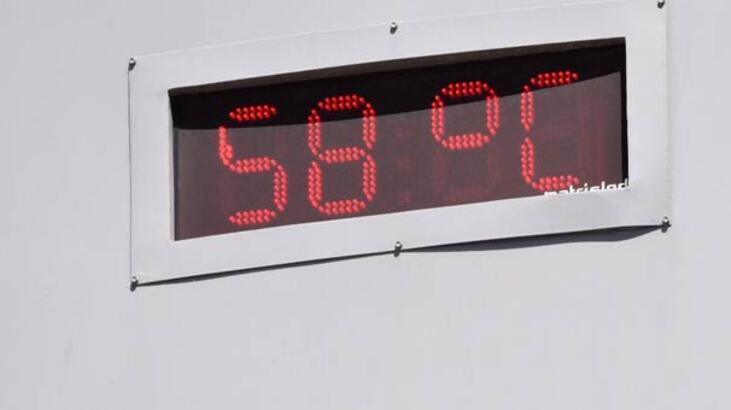 Termometreler 58 dereceyi gördü! Evden çıkamıyorlar