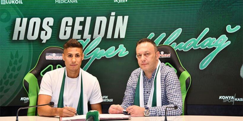Alper Uludağ, Konyaspor'a imzayı attı