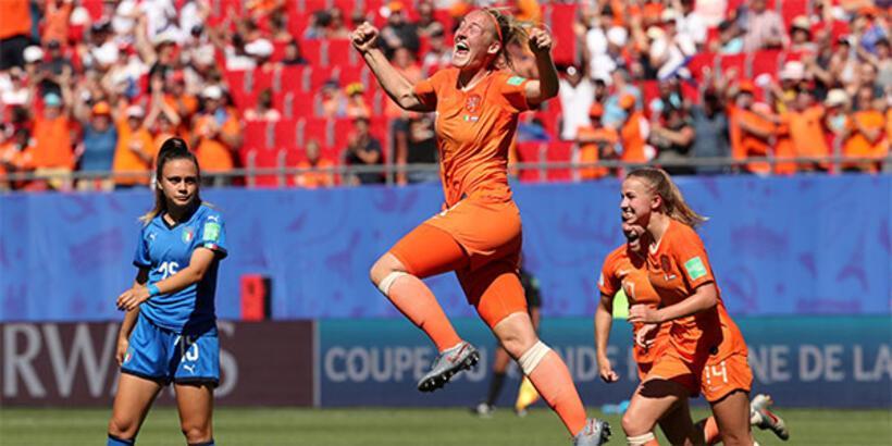 Hollanda, Dünya Kupası'nda yarı finale yükseldi