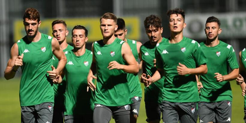 Bursaspor'da oyuncular birer birer ayrıldı