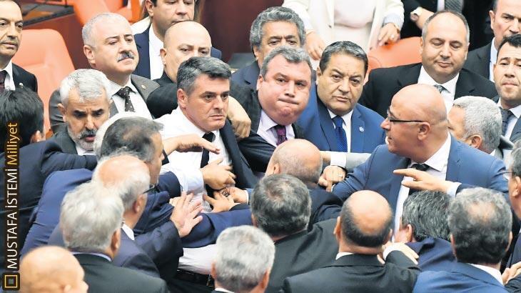 Meclis'te CHP ile MHP arasında gerginlik