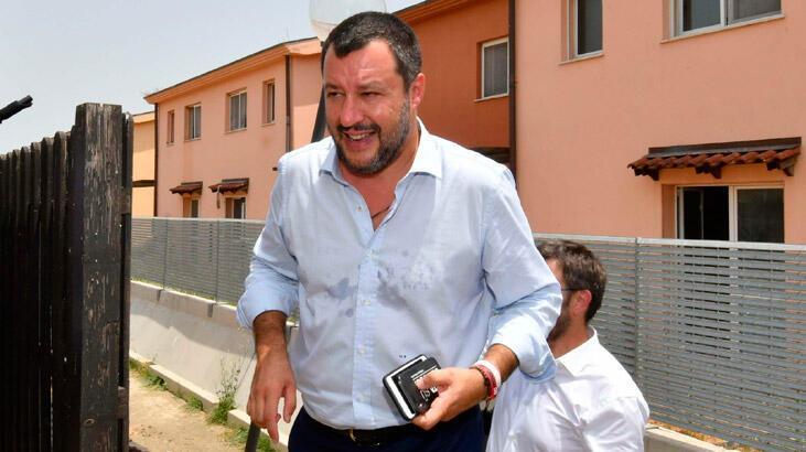 Aşırı sağcı Salvini'ye mermili zarf