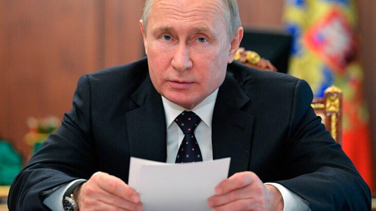 Putin'den Ukrayna'nın yeni lideri Zelenskiy'e yeşil ışık