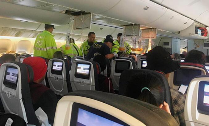 Kanada'da türbülansa giren uçakta 37 kişi yaralandı