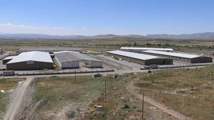 """Erdoğan'ın müjdesini verdiği fabrikada """"iş başvurusu"""" heyecanı"""