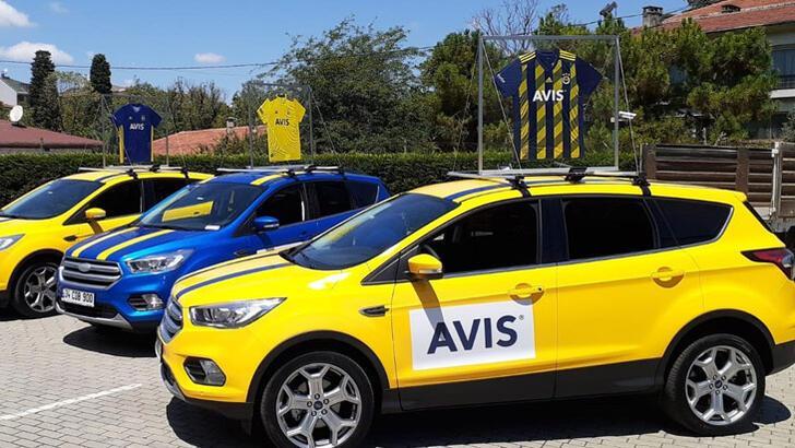 Fenerbahçe yeni formalarını araçlarıyla tanıttı
