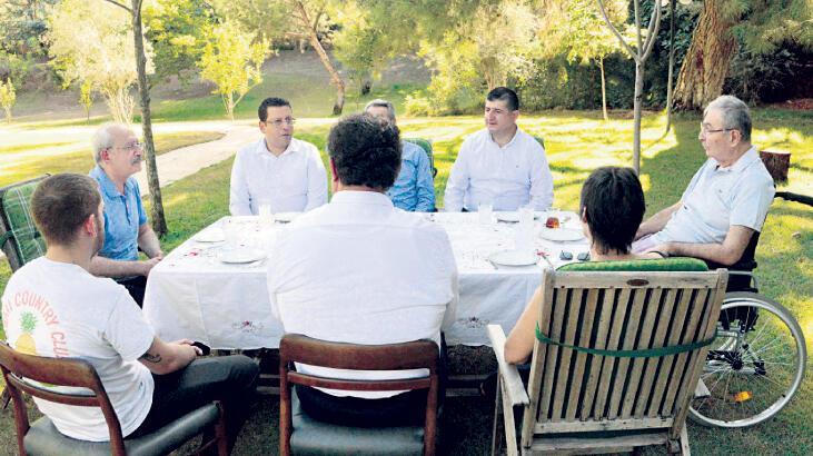 Kılıçdaroğlu'ndan Baykal'a ziyaret