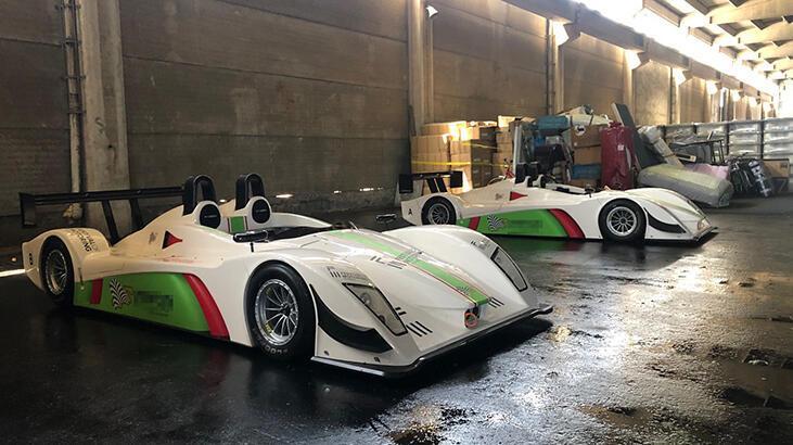 Gümrükte kalan 2 yarış otomobili satılacak
