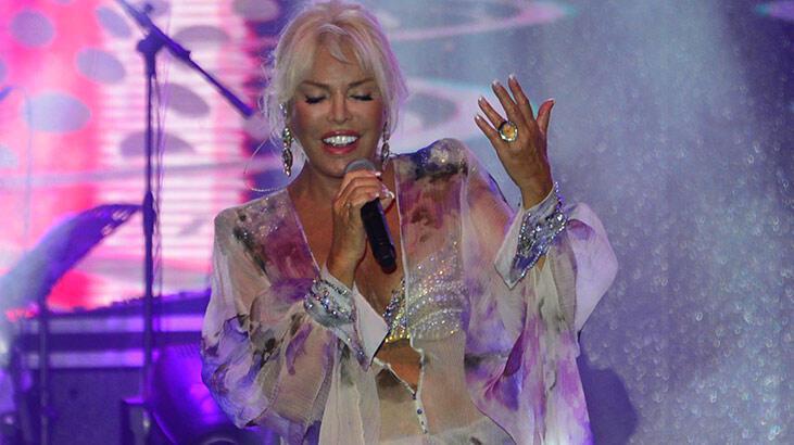 Kıbrıs'ta Ajda Pekkan şov