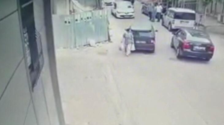 Alçılı ayağıyla kullandığı otomobille kadına çarptı!