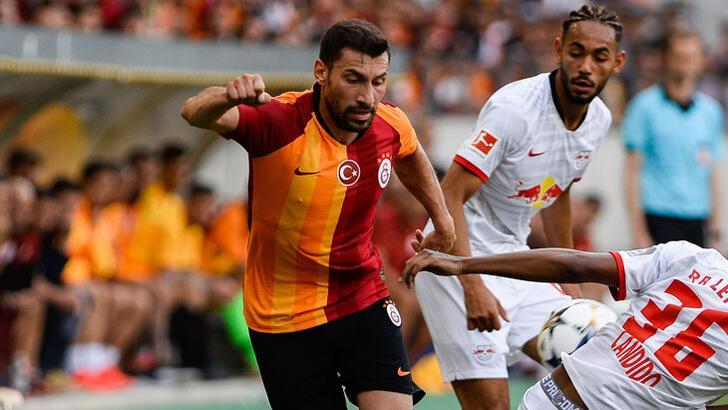 Galatasaray'da Şener Özbayraklı gelişmesi!