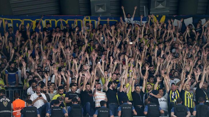 Fenerbahçe taraftarından kombine tepkisi!