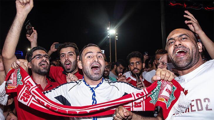 Kupanın coşkusunu Taksim'de çıkardılar