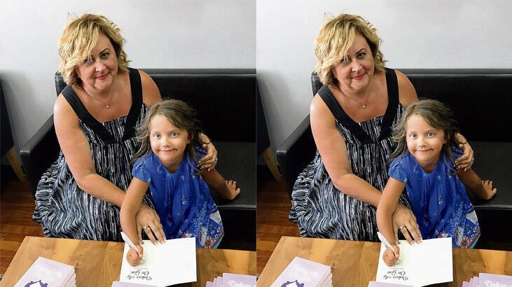 Annesi yazdı, Maya imzaladı