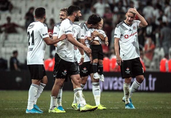 Beşiktaş'ta Quaresma'nın görüntüsü dikkat çekti!