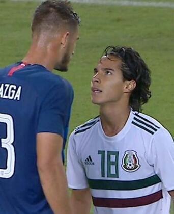 Amerika Birleşik Devletleri ile Meksika arasında oynanan hazırlık maçı, ilginç görüntülere sahne oldu.(Onur Dinçer / Skorer Dış Haberler)