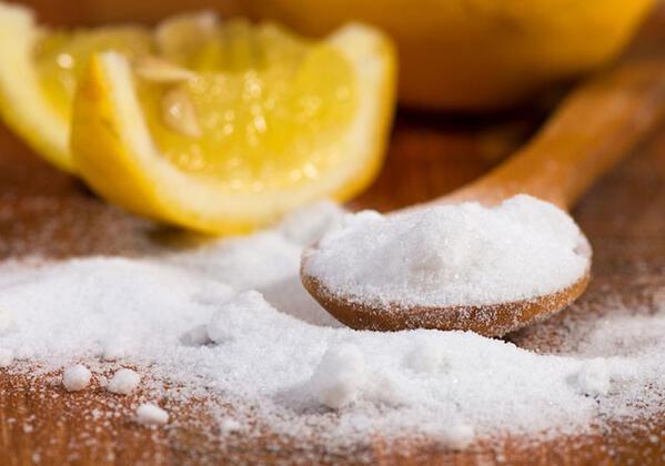 Diş beyazlatmak için karbonat ve limon