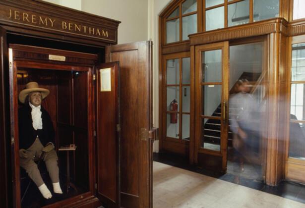 University of College London'da yaklaşık 200 yıldır ilginç bir gelenek devam ettiriliyor.MUSA KESLER - İstanbul