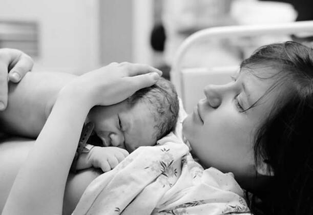 Kadın kalbi neden yoruluyor? İşte sizlere kadınların kalbini yoran nedenler…Doğum yapmış olmak = kalp kası hastalığı