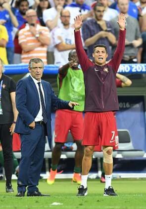 EURO 2016 Finali'ne Ronaldo damga vurdu.RONALDO BUNU YAPINCA...