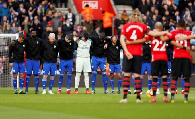 Dün Premier Lig'de oynanan Southampton - Cardiff City maçında tribünlerde yaşanan bir olay dünyayı şok etti.(Emre Topaloğlu / Skorer Dış Haberler)
