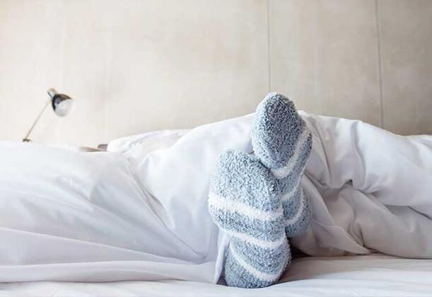 Yatağa çorapla girmek