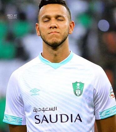 Fenerbahçe ile yollarını ayırarak Al Ahli ekibine transfer olan Josef de Souza, yeni takımına olduğu kadar ortama da ayak uydurmaya çalışıyor. (Onur Dinçer / Skorer Dış Haberler)