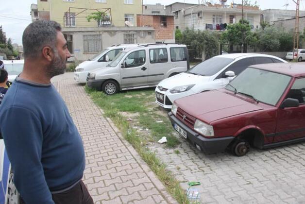 Olay, Adana'nın Seyhan ilçesine bağlı Barış Mahallesi'nde meydana geldi.HABERİN VİDEOSUNU İZLEMEK İÇİN TIKLAYIN