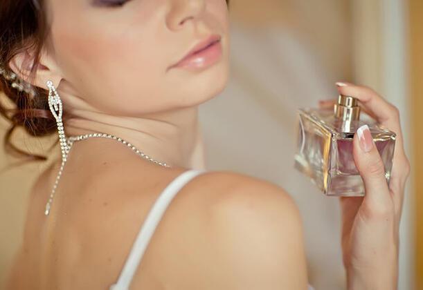 Sıcak havalarda parfüm kullanırken dikkat!