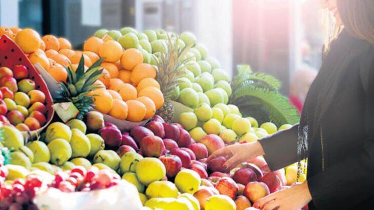 """""""Meyveler hem sıvı kaybını gideriyor hem de birçok vitamini insan vücuduna sağlıyor"""""""