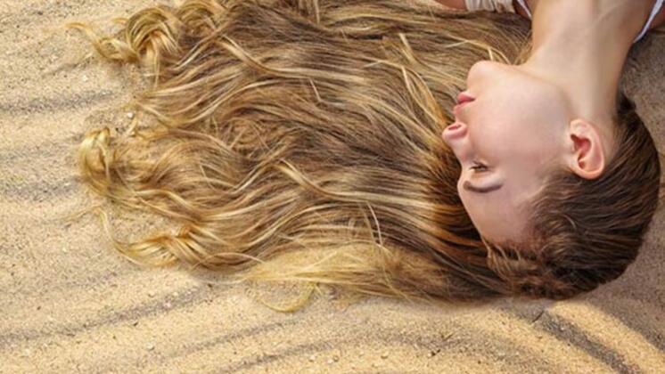 Saç bakım kremi ile besleyin