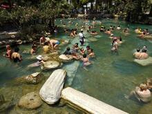 2 bin 500 yıllık antik havuz turistle doluyor