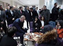 Cumhurbaşkanı Erdoğan'dan Millet Kıraathanesine ziyaret