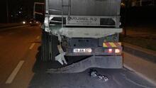 Seyir halindeki kamyona arkadan çarptı!