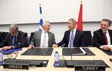 Son dakika | Bakan Akar, Yunanistan Savunma Bakanı ile görüştü