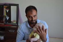 1 yaşındaki Yunus Emre'nin yürek burkan dramı