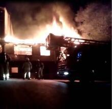 Sultanbeyli'de korkutan çatı yangını