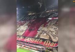 Milan taraftarından müthiş koreografi