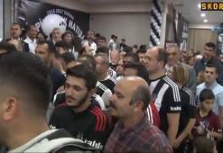 Beşiktaşlı taraftarlardan kupa izdihamı