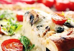 Bayat Ramazan Pidesi ile pizza yapımı