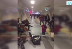 Minik kızın metro istasyonundaki bale gösterisi ilgiyle izlendi