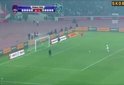 Eski Trabzonsporlu yıldızdan şok penaltı
