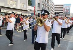 İzmirin kurtuluşunun 96ncı yıldönümü kutlamaları başladı