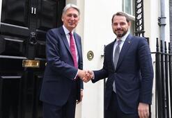 Berat Albayrak Londrada bakanlarla bir araya geldi